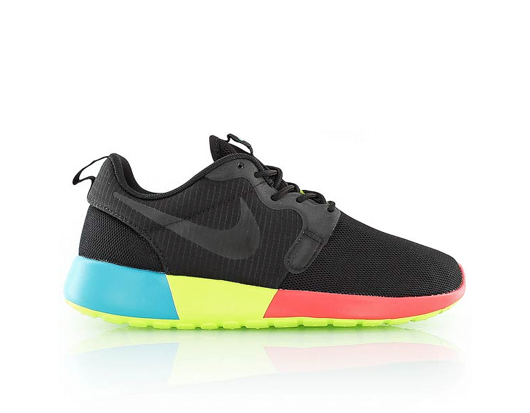 best sneakers 9d3f7 247d9 Nike Wmns Roshe Run Hyperfuse – Multicolor