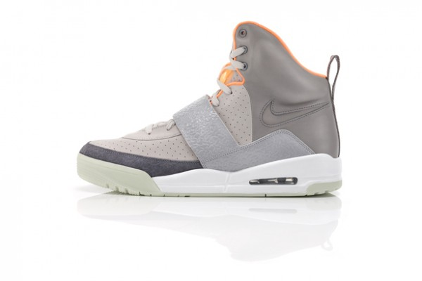 nike air yeezy grey