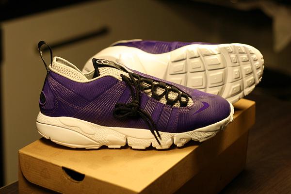nike air footscape motion purple