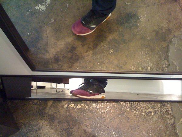 sneaker mirror