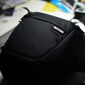 Incase Nylon Carrying Case for DSLR