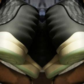 Nike Air Yeezy 2...