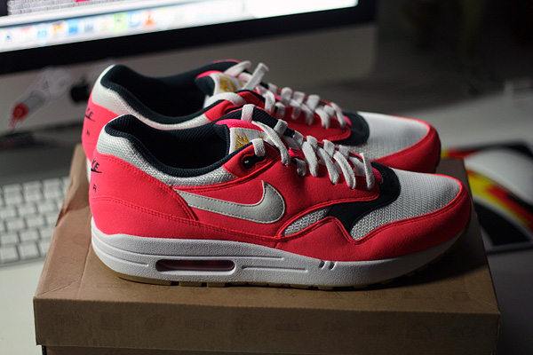 nike air max 1 solarred