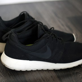 nike-roshe-run-black