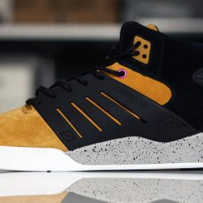 "SUPRA SKYTOP III x Sneaker Freaker ""GOLDENBALLS"""