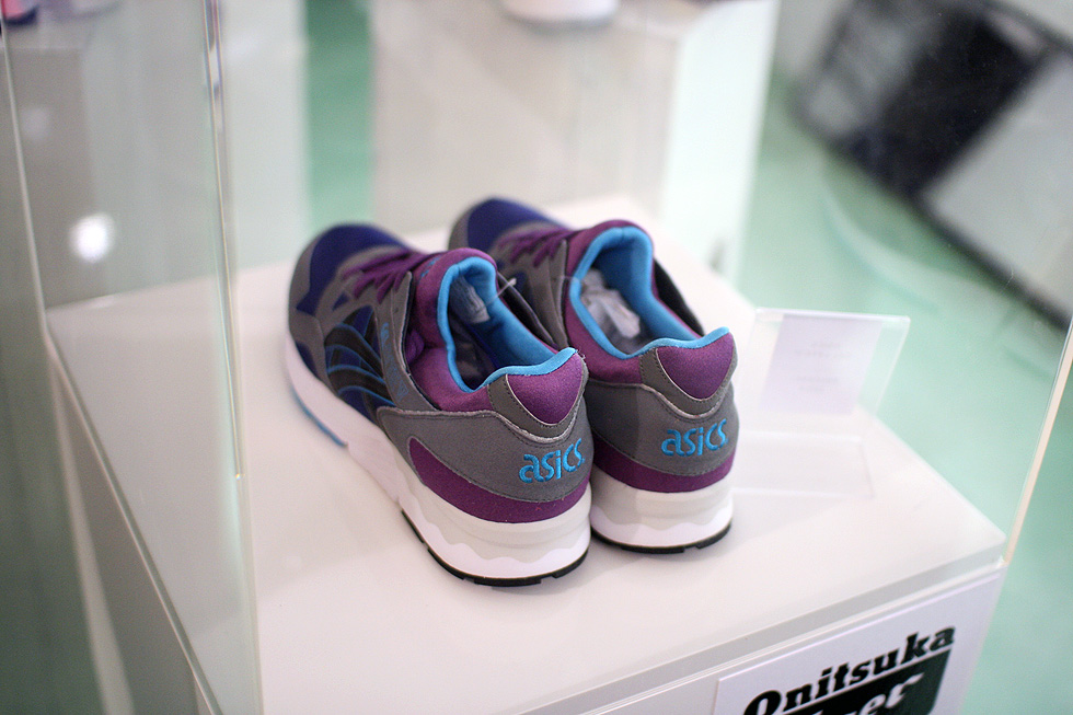 sample-asics-sneaker