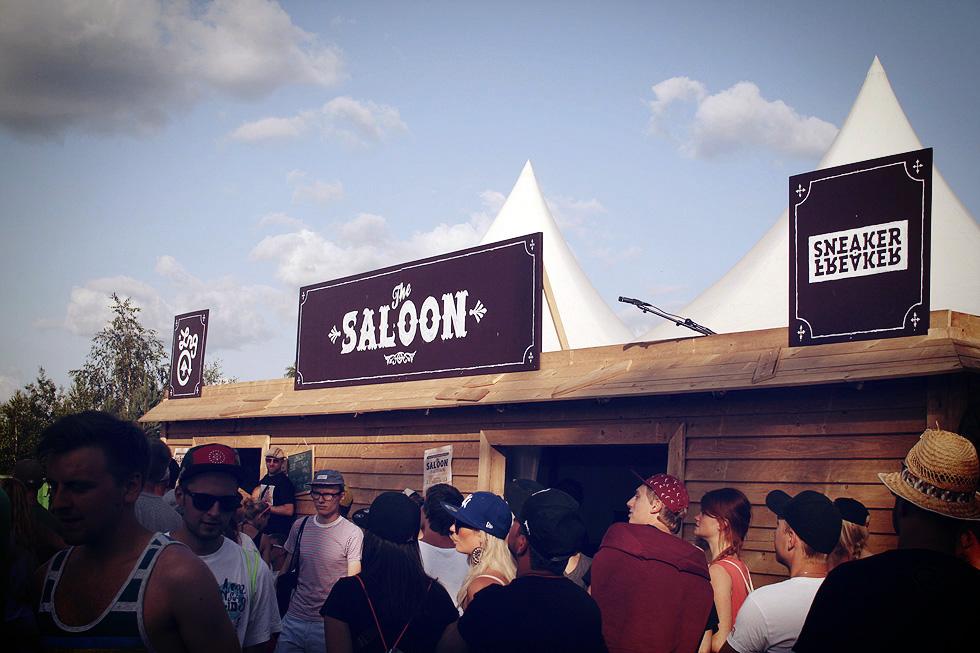 lrg-sneaker-freaker-saloon
