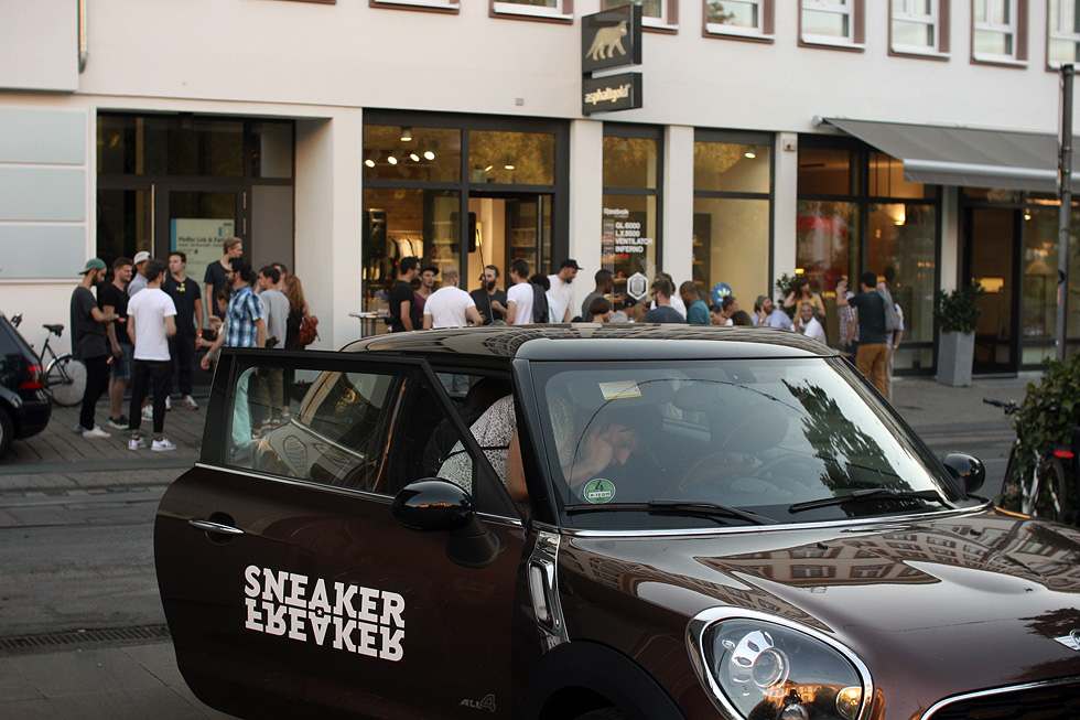 mini-sneaker-freaker