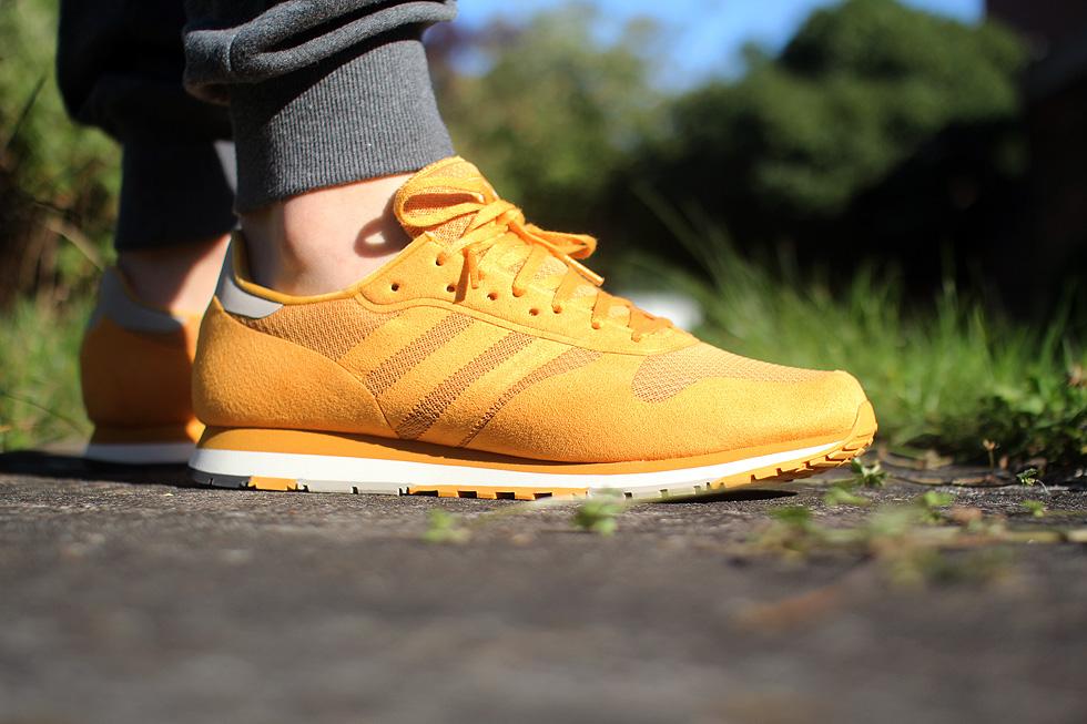 yellow-cntr