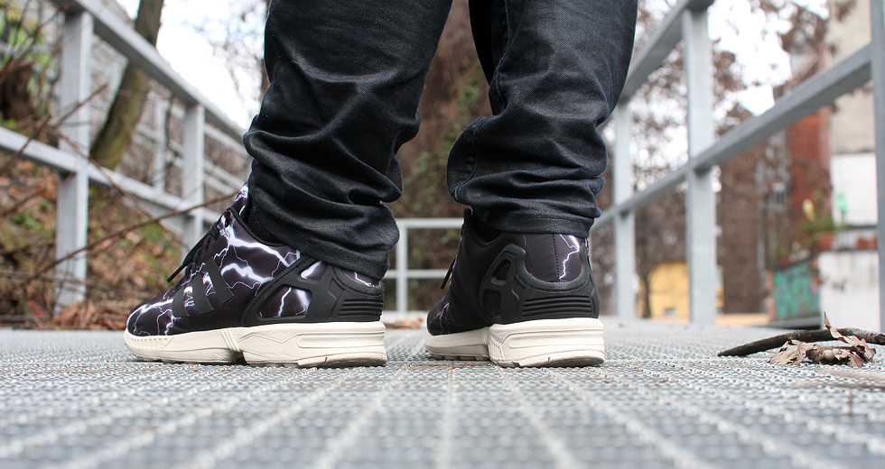 black-adidas-zx-flux