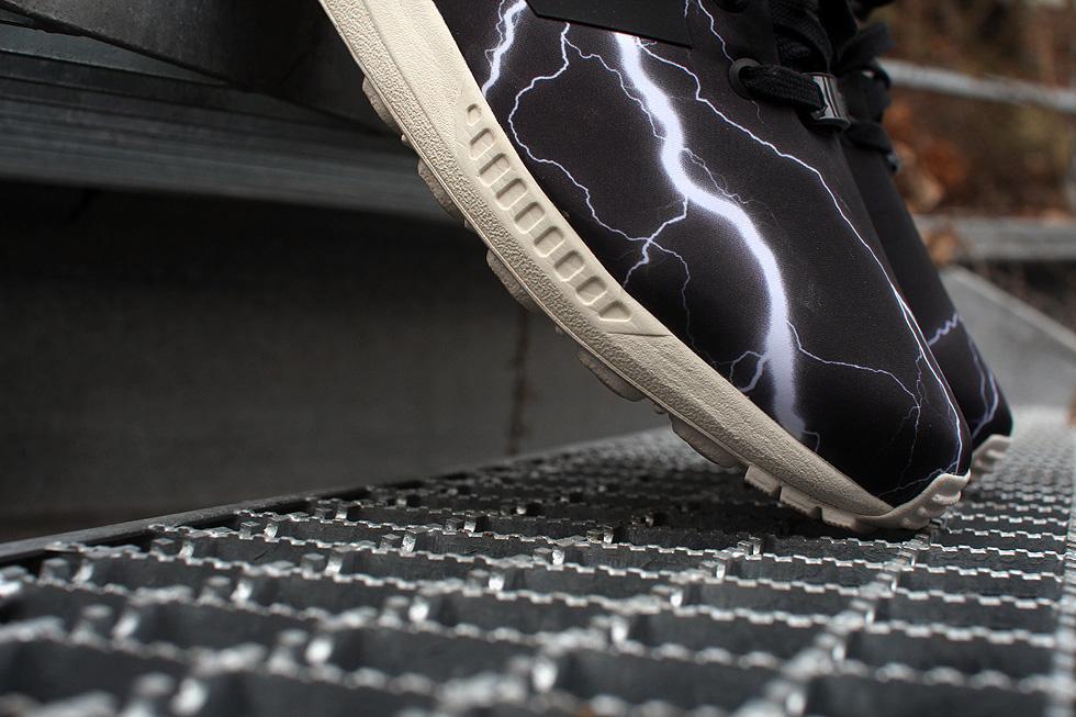 bolt-sneaker
