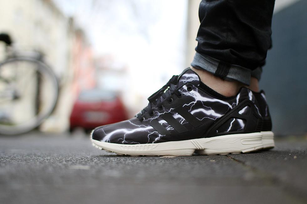 feet-zx-flux
