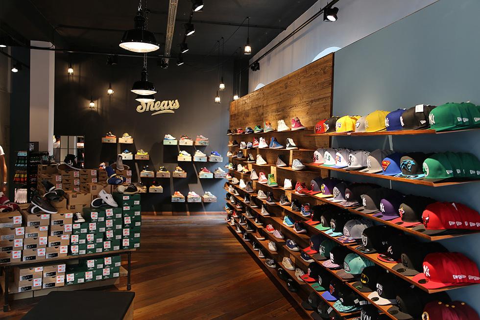 sneaxs-sneaker