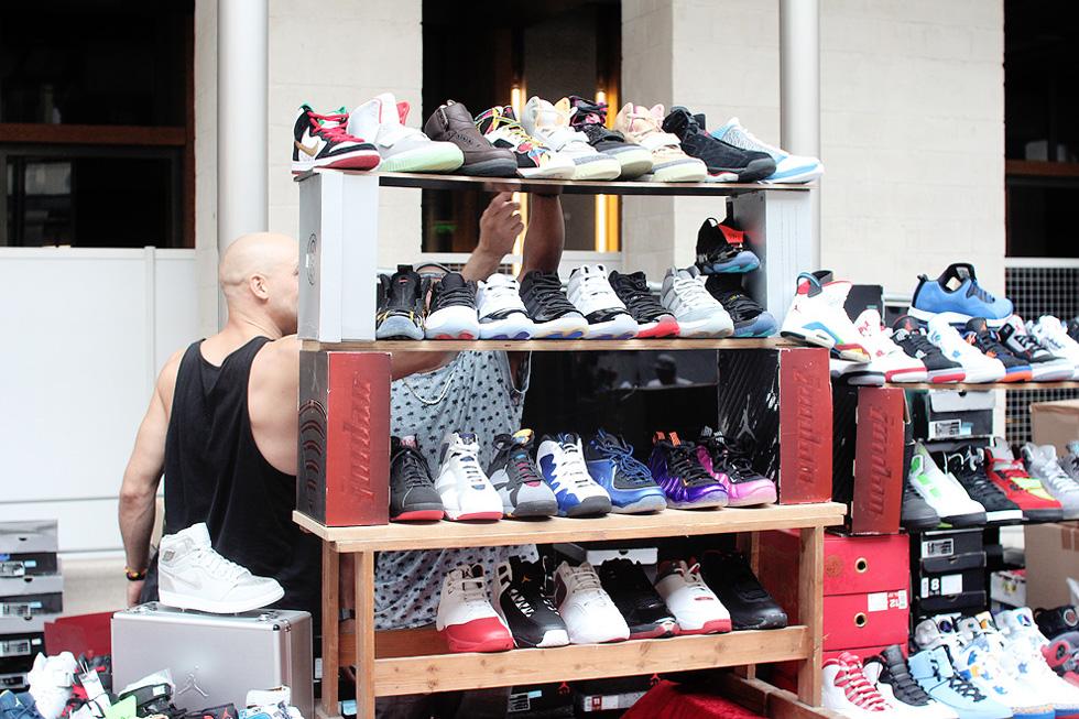 hype-sell-sneaker