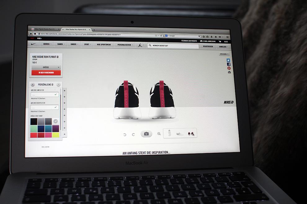 customize-nike-sneaker