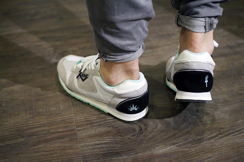 grey-mint-sneaker