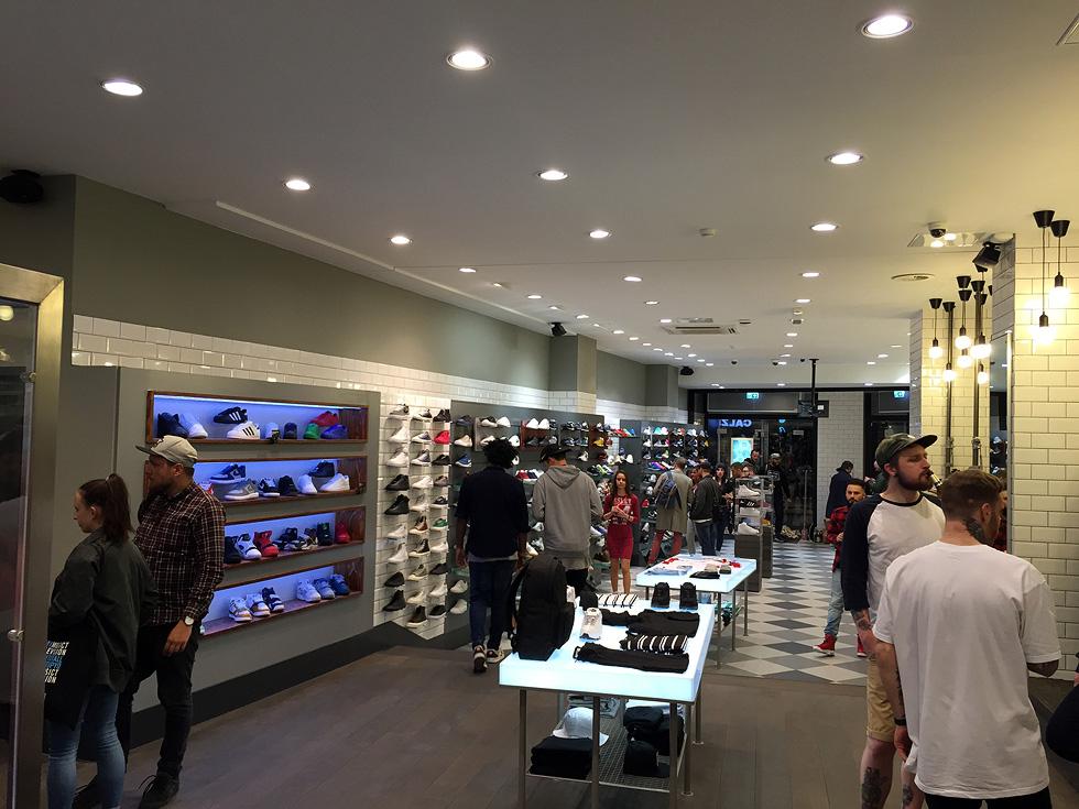 koeln-size-sneaker-store