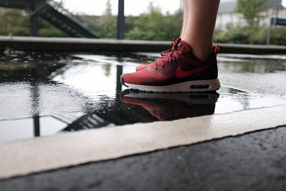 wear-air-max-tavas-red