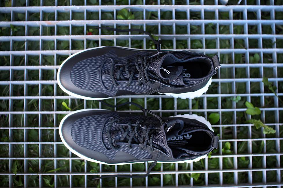 black-tubular-adidas