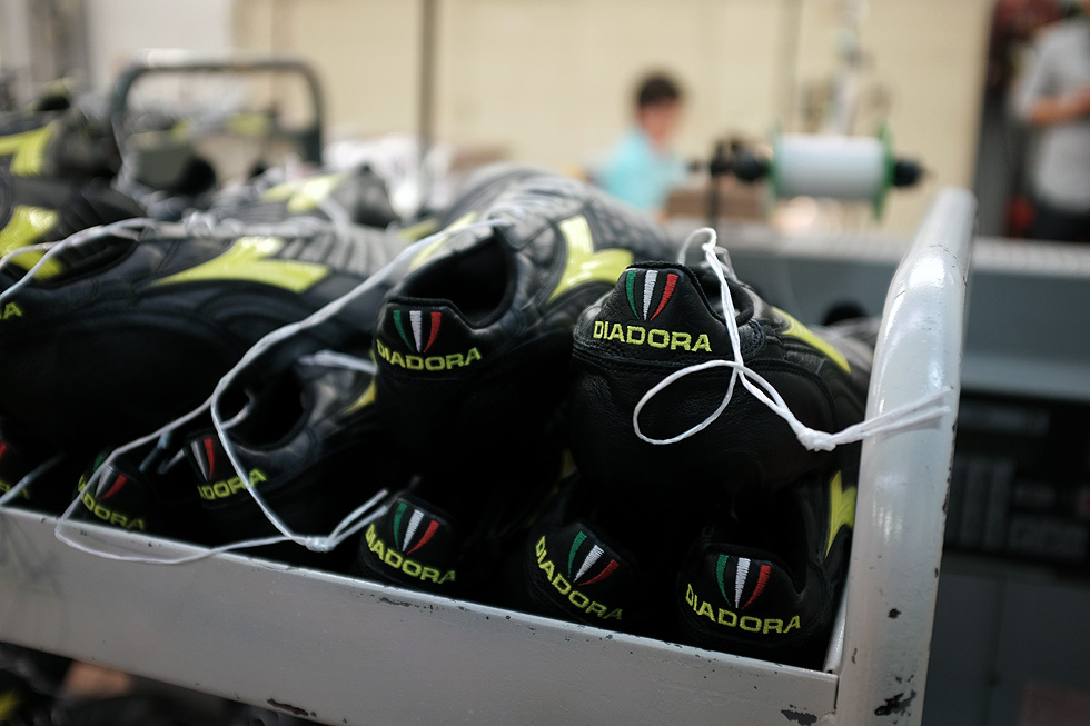 diadora-soccer-boots-factory