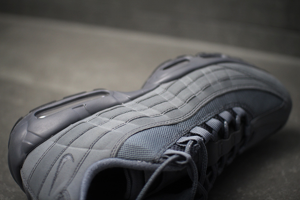 grey-air-max-95-id