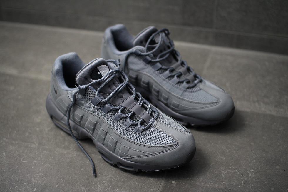 sneakerb0b-nike-id