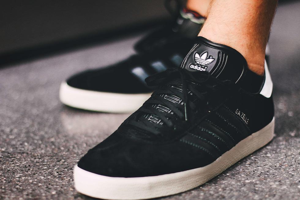 adidas-gazelle-core-black-heel-tab