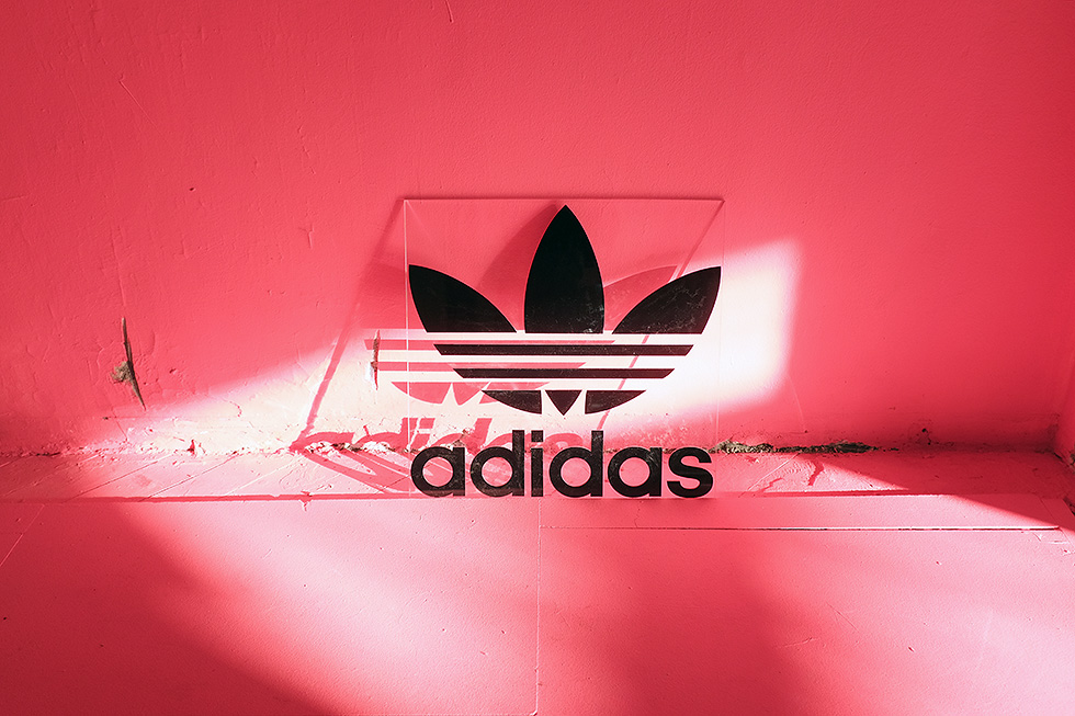 adidas-turbo-red